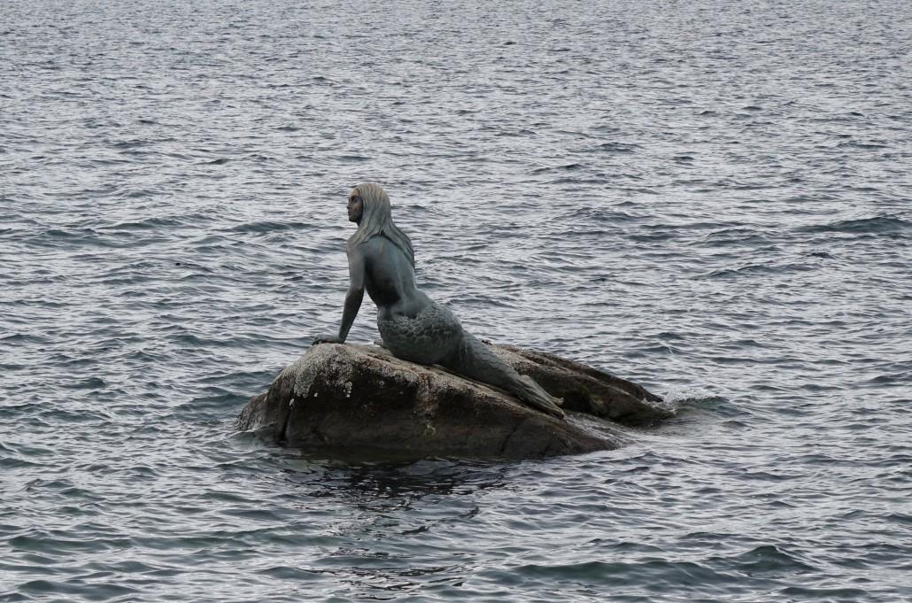 Geneva and the Little Mermaid - Sonia Arekallio | Arenia.ch - Real Estate & Lifestyle in Geneva